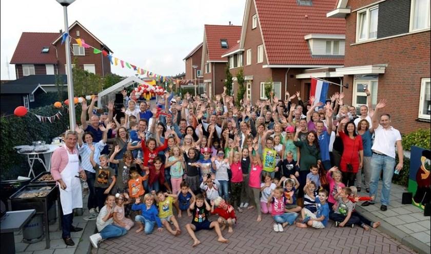 Speeltuin Vereniging Schiewijk krijgt een Oranje Fonds Buurtcadeau van 3.000 euro en daar zijn ze maar wat blij mee!