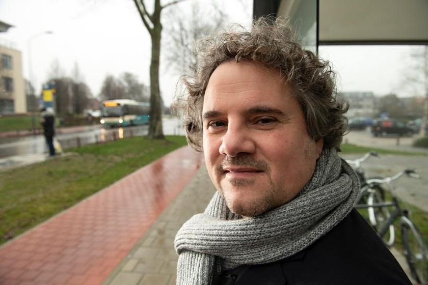 """SP-lijsttrekker Maurits Gemmink:  """"Half lege bussen kosten de provincie geld. Dan kunnen we beter zorgen dat ze ook mensen vervoeren."""""""