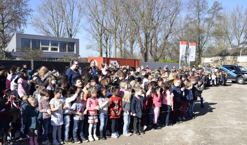 De tijdscapsule van Kindcentrum Zanddonk is woensdagochtend officieel begraven!