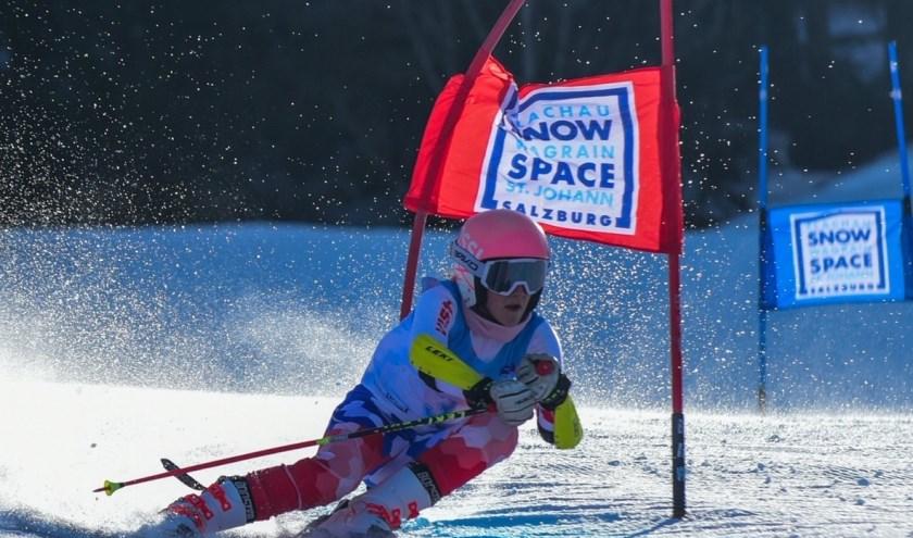 Reuzenslalom tijdens de Nederlandse Kampioenschappen Alpine skiën. (Foto: Danny Budding)