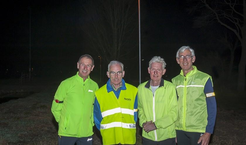 Voorzitter John den Iseger (rechts) met clubgenoten op De Rondgang. (Foto: Wijntjesfotografie.nl)