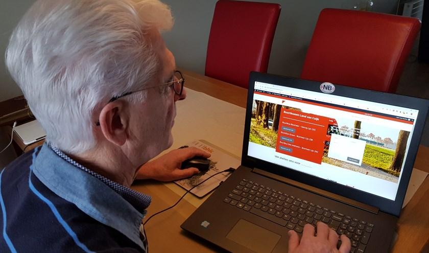 """Henk Roeffen: """"Nieuwe site zowel belangrijk voor buspassagiers als voor de chauffeurs."""""""