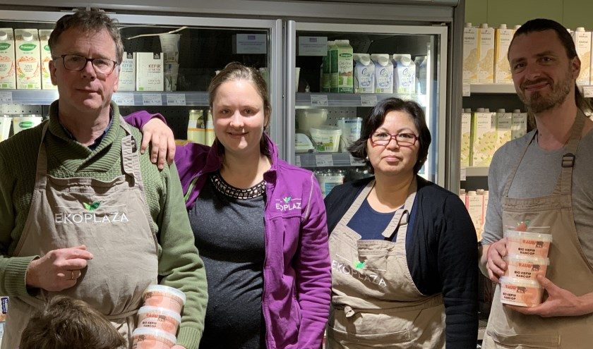 Bij EkoPlaza Enschede zijn ze dol op de producten die de Raw Milk Company verkoopt.