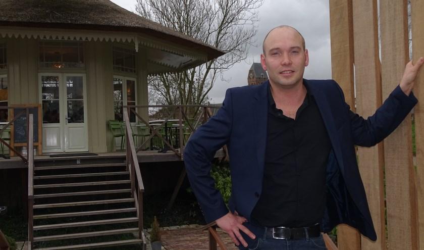 Jasper Faaij  runt samen met zijn vader Rens Eetcafé Lumiére in Oudewater en het nieuwe Theehuis. Wie is hij nu eigenlijk?