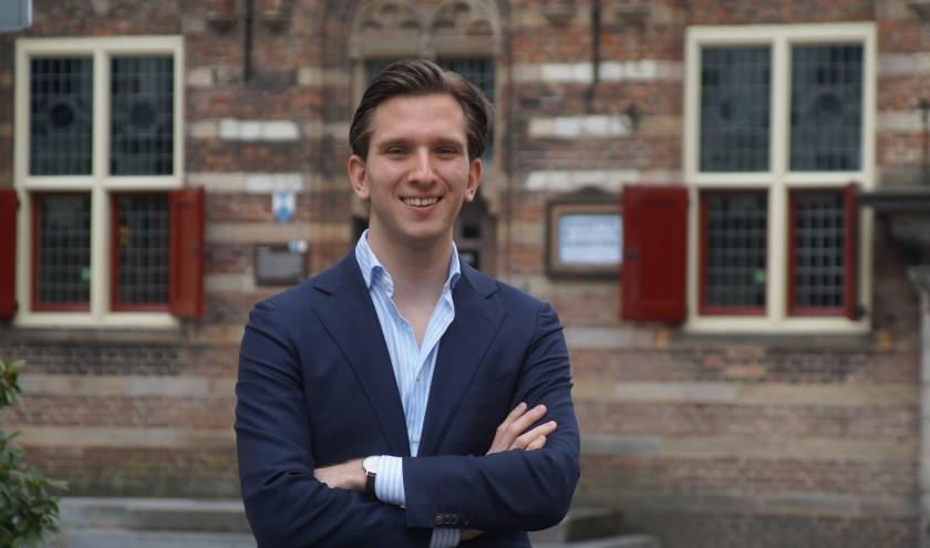 De jongste fractievoorzitter in Woerden is VVD's Florian van Hout die al jong politiek actief was.