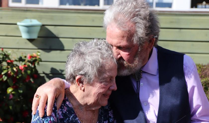 Meneer en mevrouw Kroesemeijer-Van Egmond zijn 65 getrouwd en genieten nog steeds intens van elkaar.