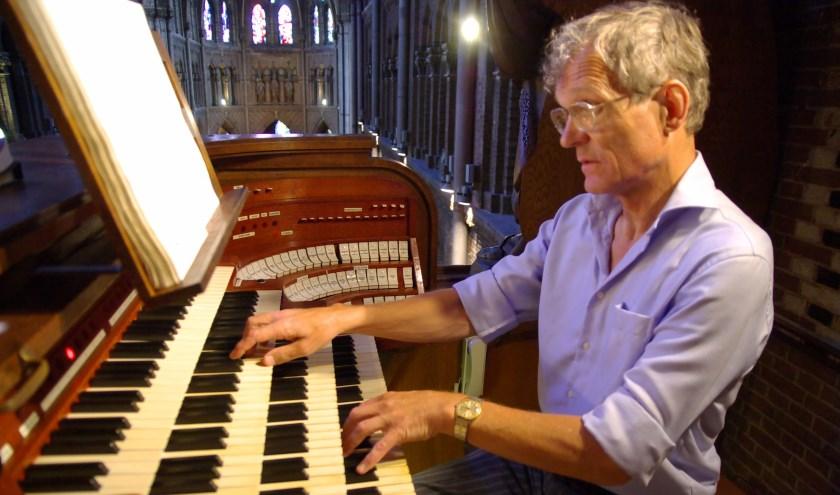 Organist Piet van der Steen, inwoner van Tricht, brengt weer een omvangrijke cd-productie uit. (Foto: Han Haitjema)