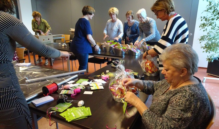 De vrijwilligers van Stichting De Strohalm proberen al jarenlang iets te betekenen voor gezinnen in Waalwijk die in armoede leven.