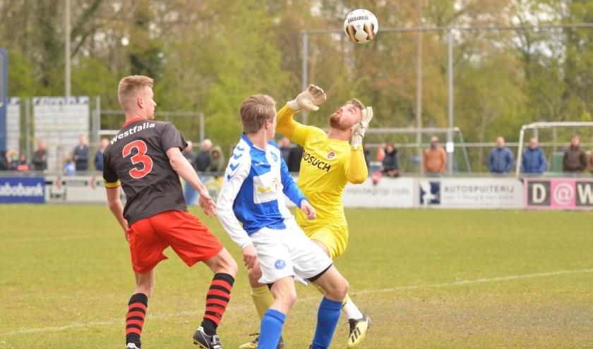 Op een zeer druk bezocht en sfeervol Sportpark Oostpolder versloeg Drechtstreek plaatsgenoot Papendrecht met 3-1. (Foto: Privé)