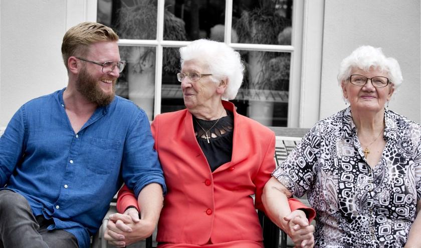 De Stichting 'Met je hart' Dongen zet zich in voor kwetsbare ouderen in Dongen, die zelfstandig wonen en in eenzaamheid leven.