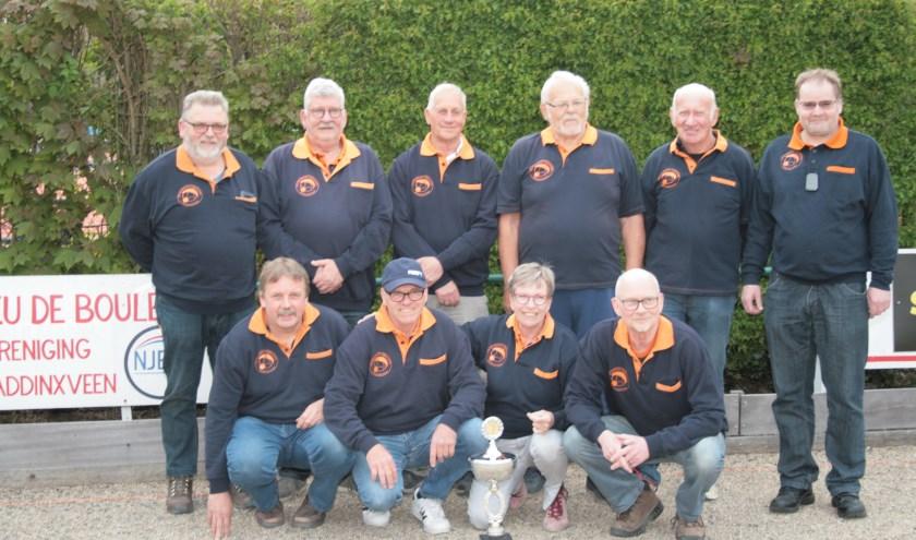 Het team Waddinxveen 1 dat kampioen werd in de 5e divisie van de NPC en promoveert naar de 4e divisie.