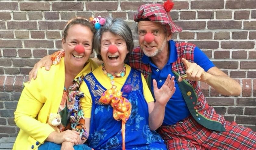 Vlnr: Dichterbij clown Klats, Rollebol en Kornuit.