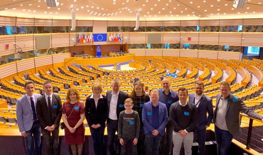 Groepsfoto DMP Heusden in het Europees Parlement.
