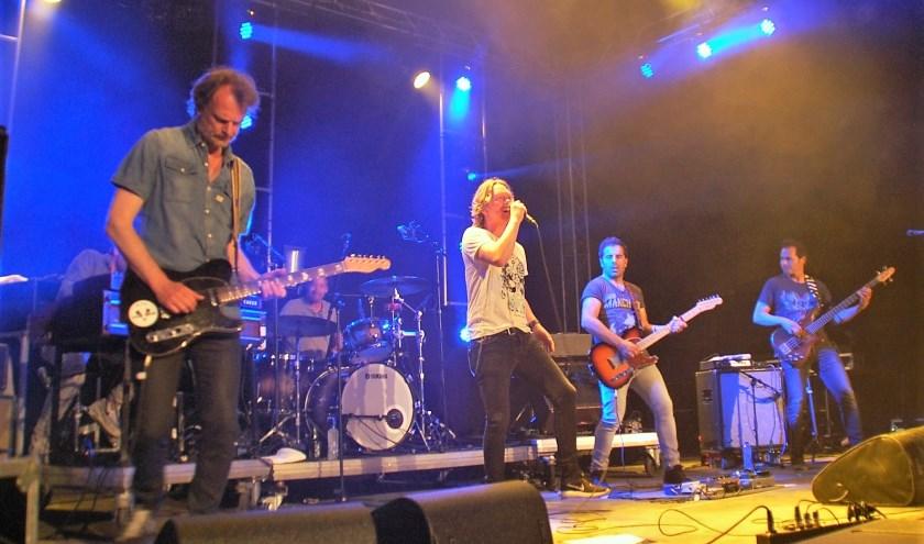 Bij de eerste en enige editie van Pampus Festival in 2018 was Van Dik Hout samen met Nielson headliner op zaterdagavond.