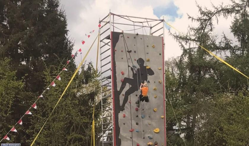 Klimwand tijdens Koningsdag Scouting Marca Appoldro