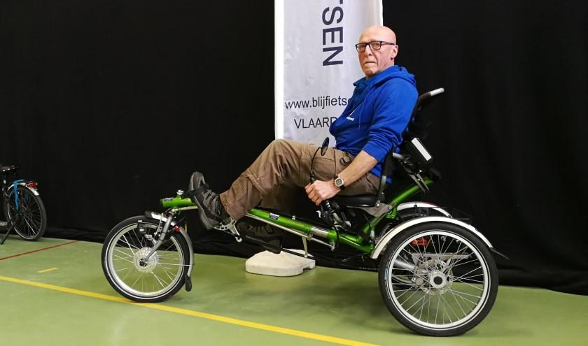 Cees Smit is een fanatieke fietser geworden en wil zijn ervaringen als fietsdocent graag overbrengen op Vlaardingers (Foto: Peter Spek).