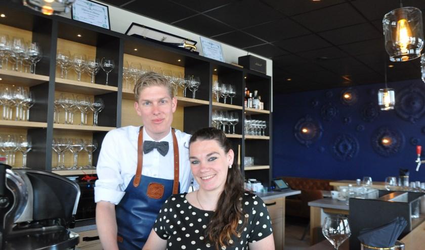 Het gaat om de totaalbeleving van wijn, bij Steven van Roemburg en Nathalie Antes van Winebar Gris Sec in Zierikzee. FOTO: Anneke Flikweert