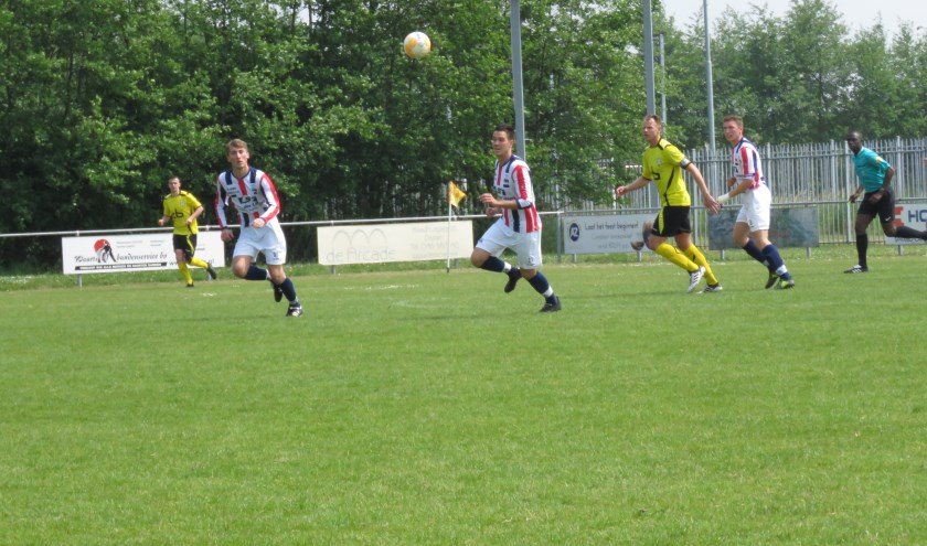 RWB heeft zondag met 4-3 gewonnen van Oosterhout.