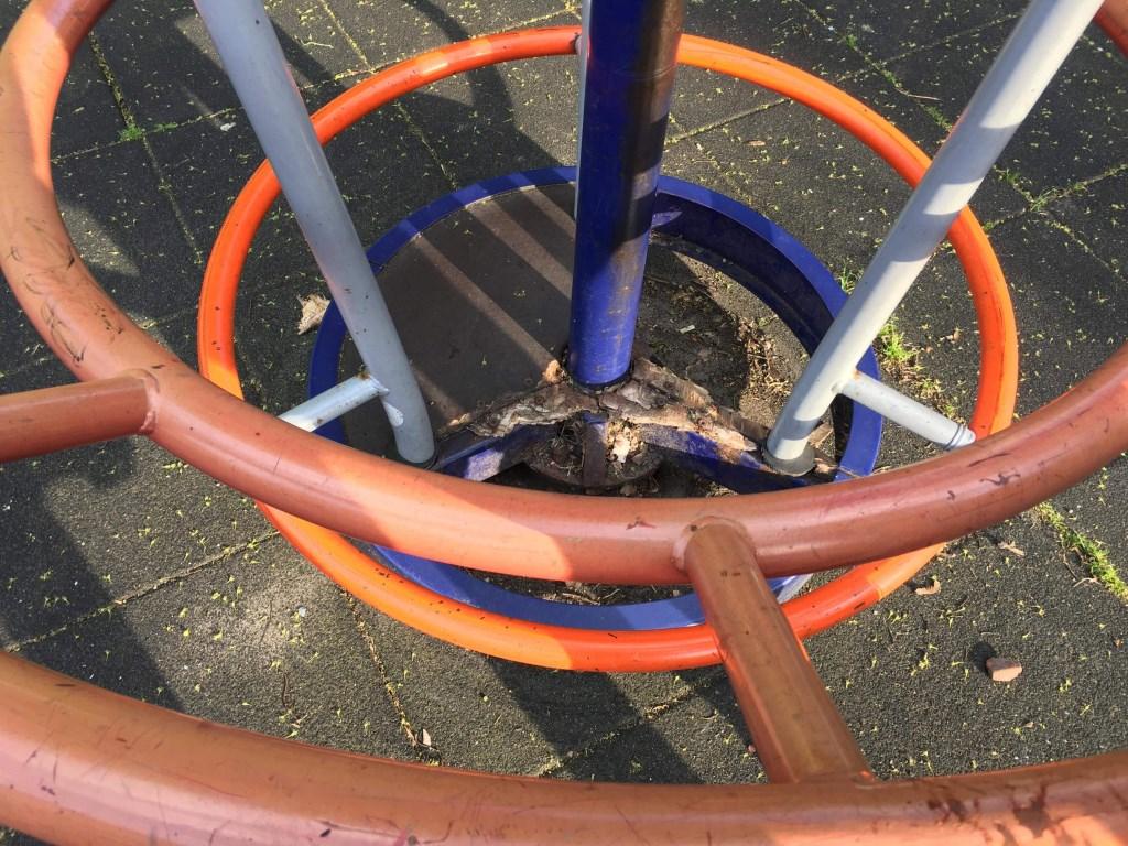 speeltoestel Blekerij waar een kind met een voet in is gekomen Foto: Nadia Aliyat © DPG Media