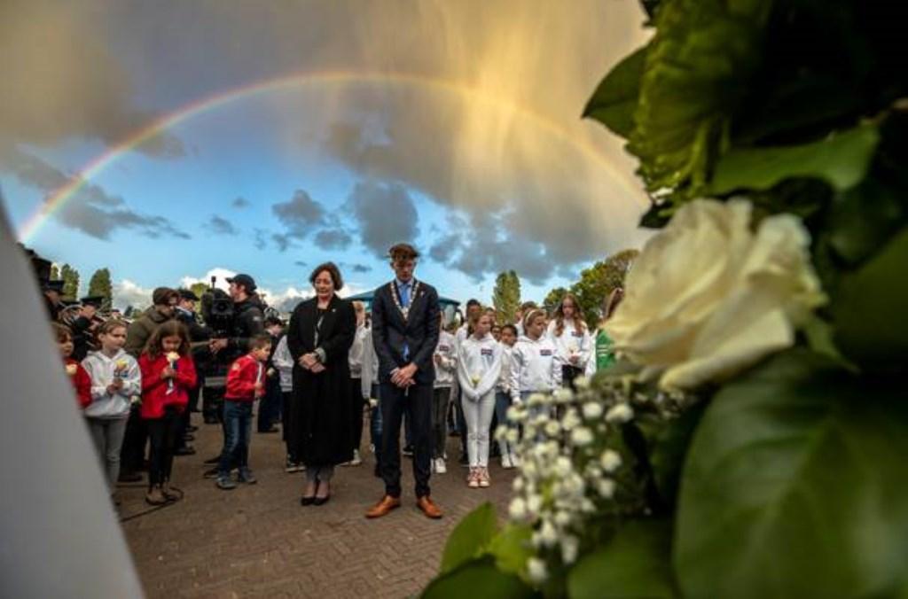 De regenboog verscheen boven Madurodam na de twee minuten stilte tijdens de Nationale Kinderherdenking 4 mei. Foto: Marianne Aalders © DPG Media