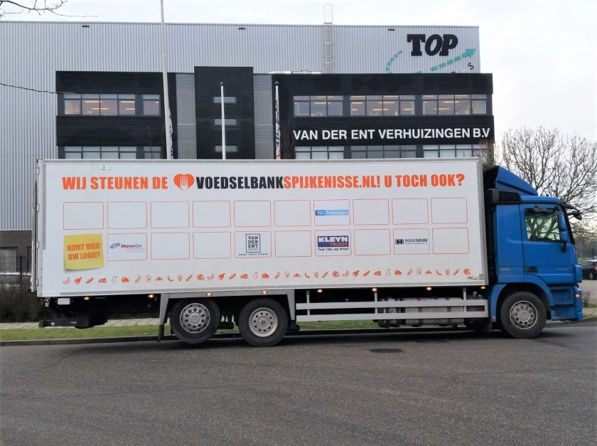 Van der Ent Top Movers verlengt sponsorcontract EN incl. een vlak op de vrachtwagen van de Voedselbank Spijkenisse