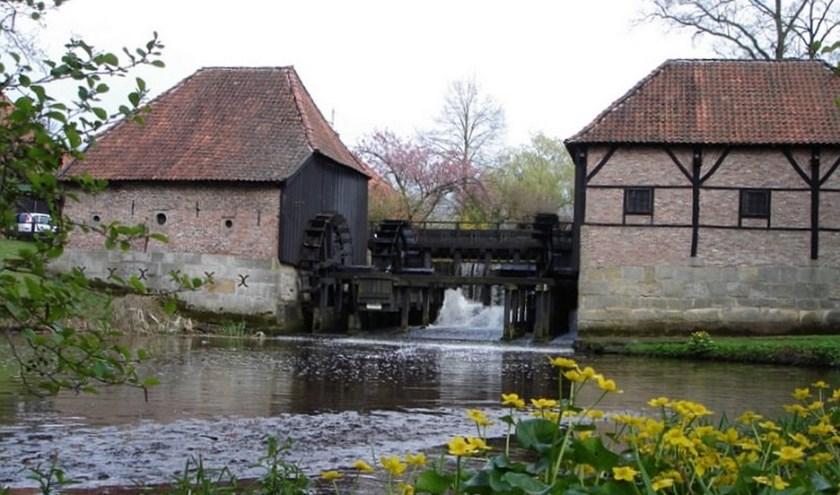 Molenaar Gerrit Olink en z'n collega's op de Oostendorper Watermolen hebben een mooi programma in elkaar gedraaid.