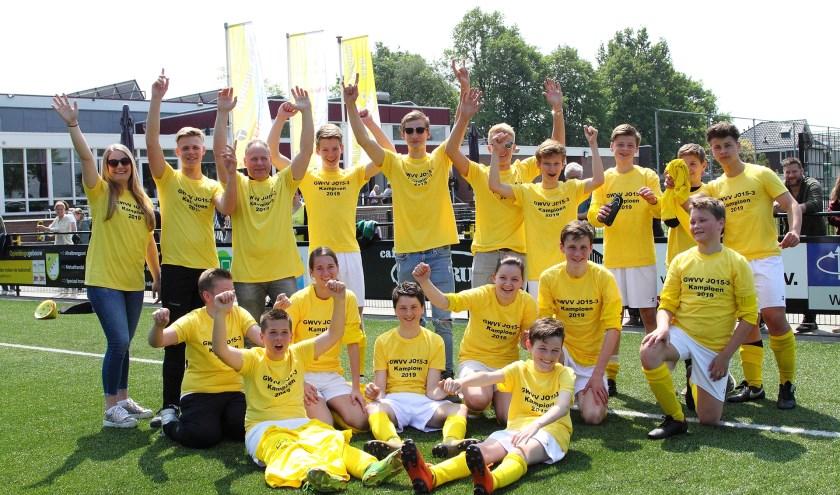 Kampioen Ulftse Boys/GWVV JO15-3