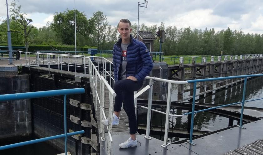 """Diewe Kolboach gaat komend seizoen zijn beste benen voorzetten bij Roda Boys in Aalst. """"Minder over de sluis, lekker dicht bij huis!""""  Foto: Jetty Duister - Sport in de Spotlights"""