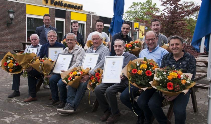 Achter v.l.n.r. Martin Westerhuis, Jeroen Jansen, Ruud van Gerven, Marc van Son, Loek van Asten. Zittend v.l.n.r. Jan Dielis, Henk Dielis, Jan Lathouwers, Wil Hoekx, Antoon van Meijl, Carel van de Braak.