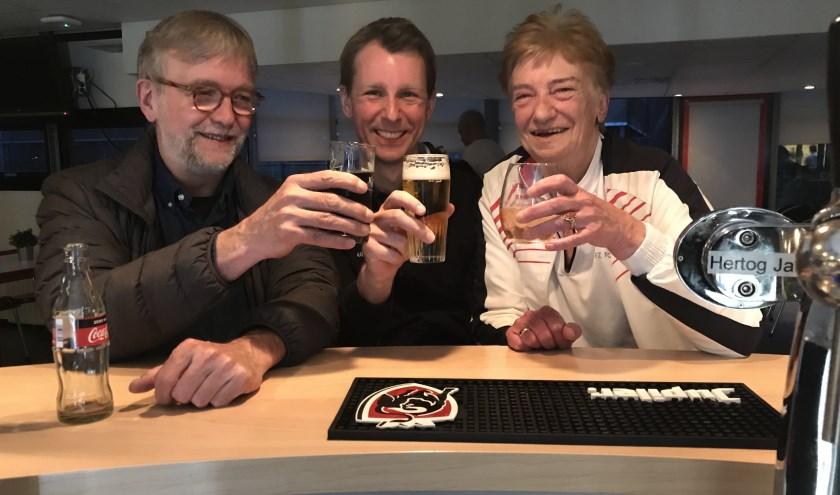 Ton Wienbelt (oud-voorzitter), Richard Lachmann, Gon van Rij (erelid).