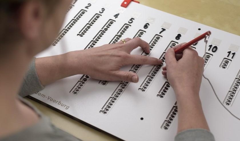 Blinden en slechtzienden kunnen in Sliedrecht zelfstandig stemmen. Ook  niet-Sliedrechters. (Foto: pr)
