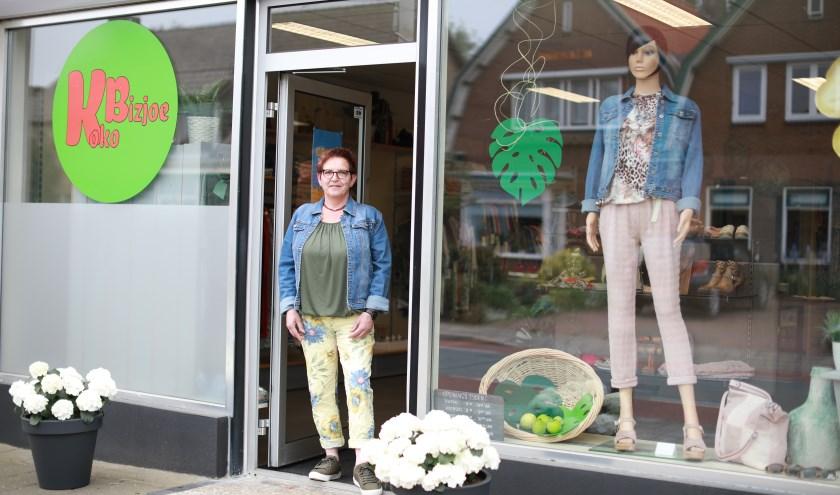 """Erna: """"In deze winkel is ook ruimte voor paspoppen. Je merkt dat dat werkt."""" (foto: Feikje Breimer)"""