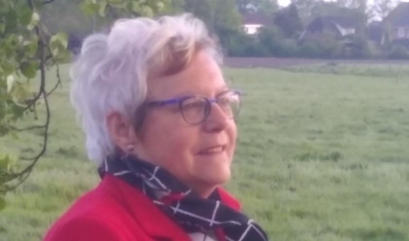 Thea ten Have is zeer betrokken bij alles wat er in de gemeente Hellendoorn gebeurt en zet zich volop in draagvlak te creëren voor de moeilijke beslissingen waar de gemeente nu voor staat.