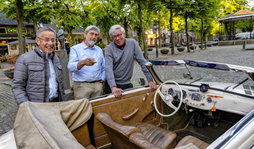De AKK heeft op 26 mei de Open Kempenrit waaraan iedereen met een auto die ouder is dan 30 jaar kan meedoen. Foto: Ton van der Vorst.