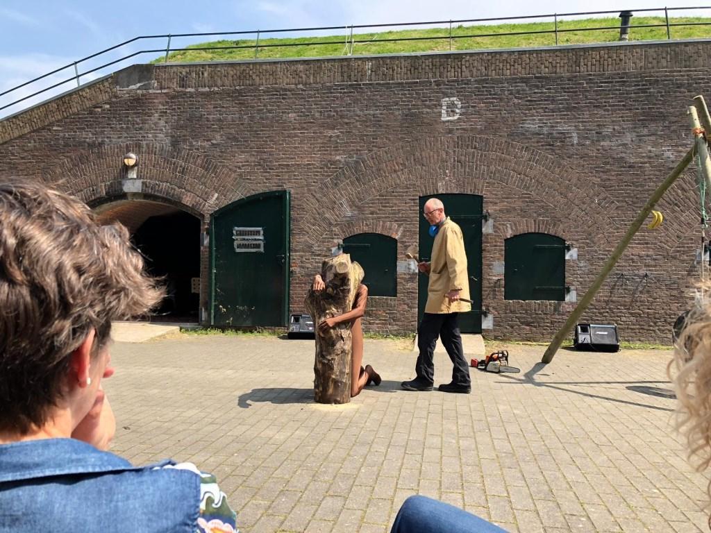 Gepetto en blok hout Foto: Aren Geerling © DPG Media