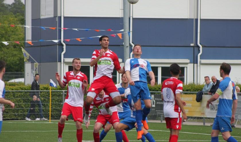 FC De Bilt torent boven Waterwijk uit