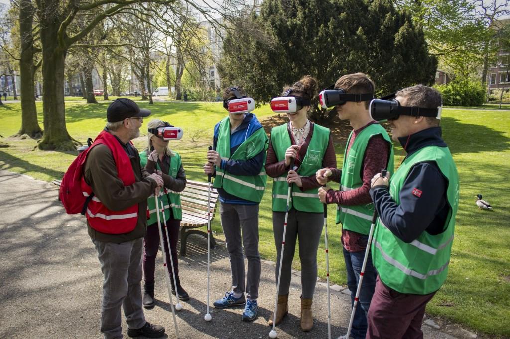 Ervaar met een virtualrealitybril verschillende vormen van slechtziendheid.  muZIEum © DPG Media