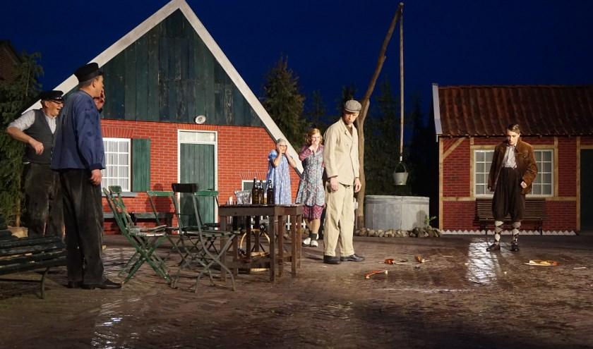 """Molenaar Jan van De Germaan in een indrukwekkende scène: """"Als hier maar eens wat minder 'gevioleerd' werd!"""""""