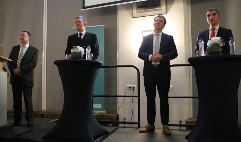 De vier deelnemers aan het NPV-debat over vaccinatie. Uiterst rechts staatssecretaris Paul Blokhuis (foto: Marco Diepeveen)