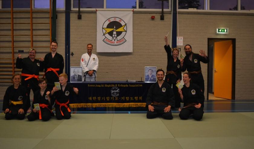 Chimyung Kwan Hapkido school hield jungki hapkido examen in sportzaal Het Pluspunt in Oud-Beijerland
