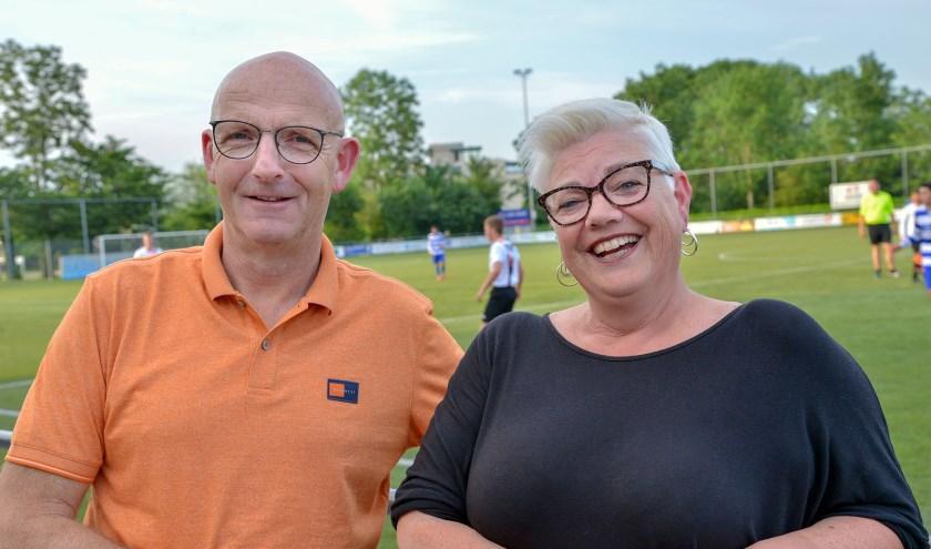 Gijsbert Klein en Marian van Schipstal, de nog huidige voorzitters van MSV'19 en v.v. Montfoort. (Foto: Paul van den Dungen)