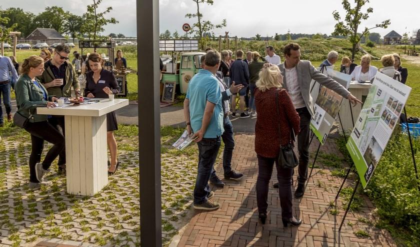 Bij het informatiecentrum Morgenland op donderdag 6 juni is de verkoop van de laatste 24 koopwoningen van het project Goede Morgen van start gegaan.