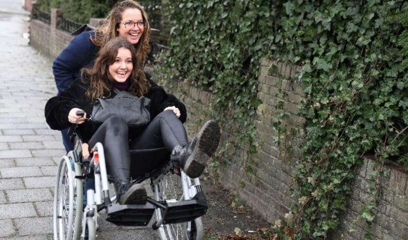 """""""Van dat rolstoelwandelen wordt je nog fit ook."""""""