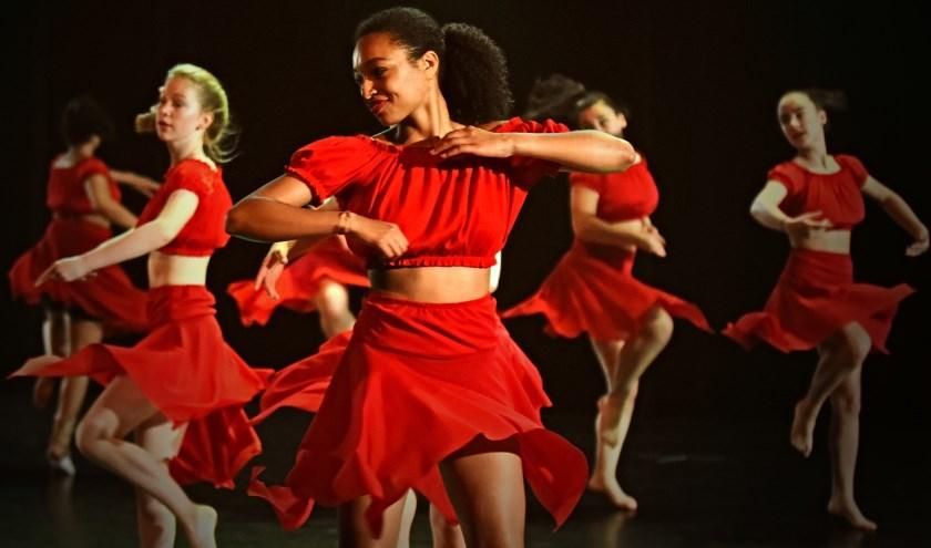 Studio Danzo danst Jubelfestival