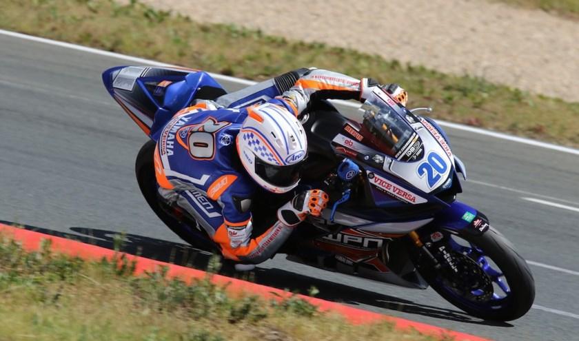 Melvin van der Voort in actie op het circuit van Oschersleben