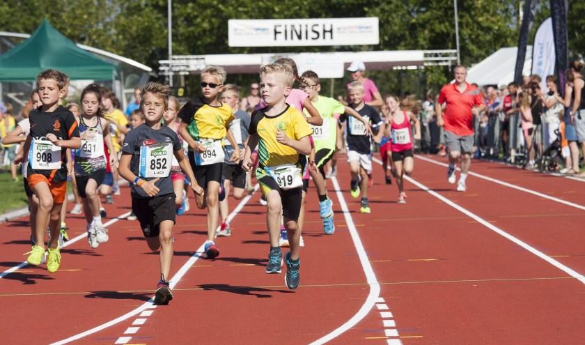 """""""Afhankelijk van hun leeftijd kunnen kinderen deelnemen aan de 400 meter, 1,4 km en 2,5 km.""""FOTO: Kramer Fotografie."""