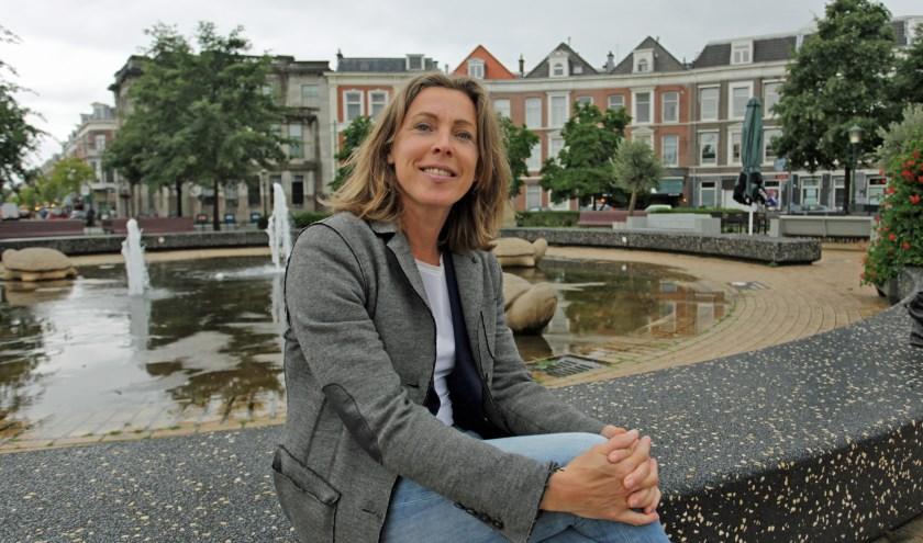 Hennie van de Looi bij het Prins Hendrikplein (Foto: Peter van Zetten).