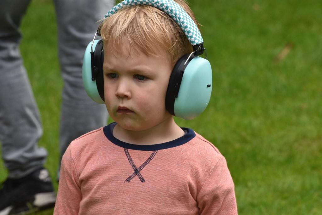 Oorbeschermer voor deze jonge gast Foto: Jan Verniers © DPG Media