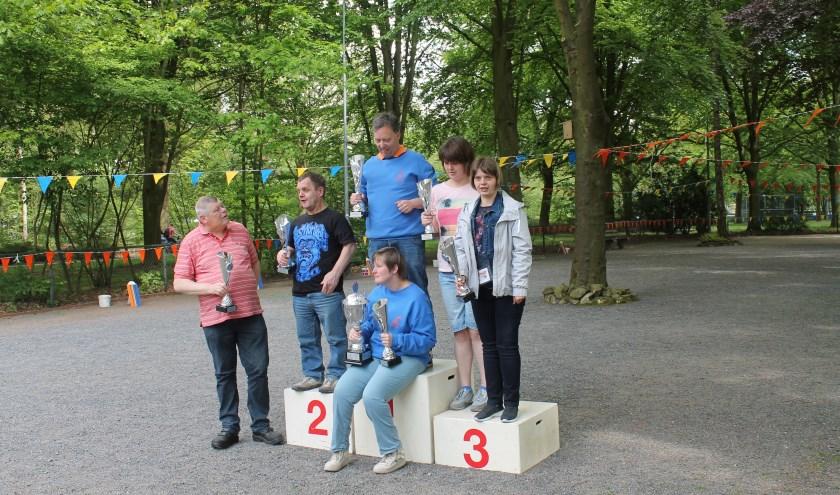 De eerste prijs ging naar Henk Bagchus en Daniëlle de Vries. Hans Knol en Emil Wevers werden tweede, terwijl de derde prijs naar Gosja Oude Engberink en Sophie IJland ging.