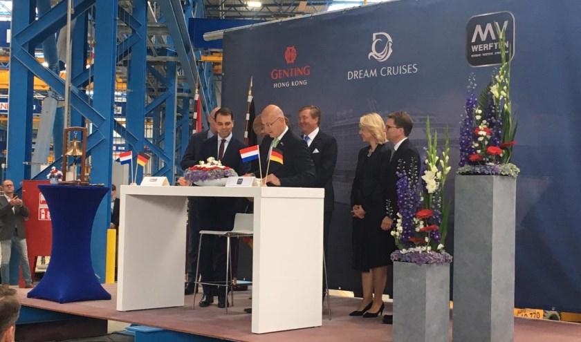 De overeenkomst werd in aanwezigheid van Koning Willem-Alexander en Koningin Máxima ondertekend.